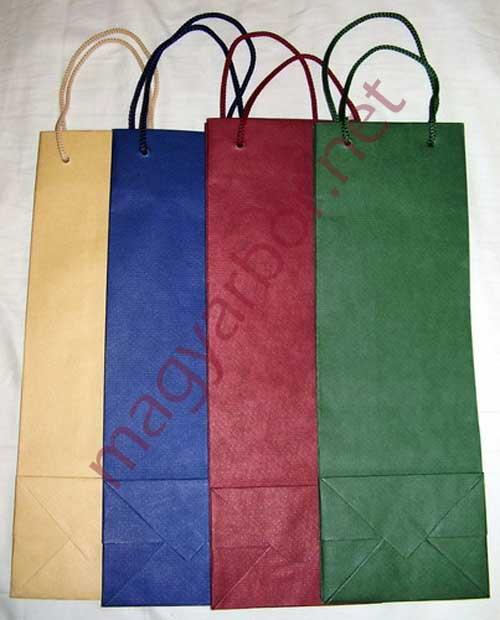 Kézi Készítésü zsinórfüles papírtasak (bordó,zöld,kék)