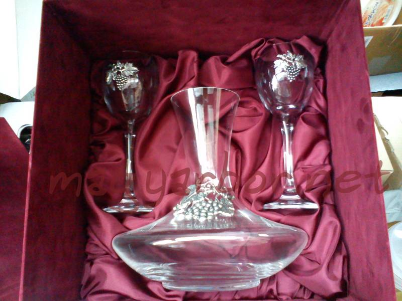 Dekanter 2 boros pohárral ón díszítéssel